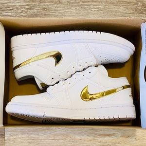Nike Air Jordan 1 Low SE White Metallic Gold